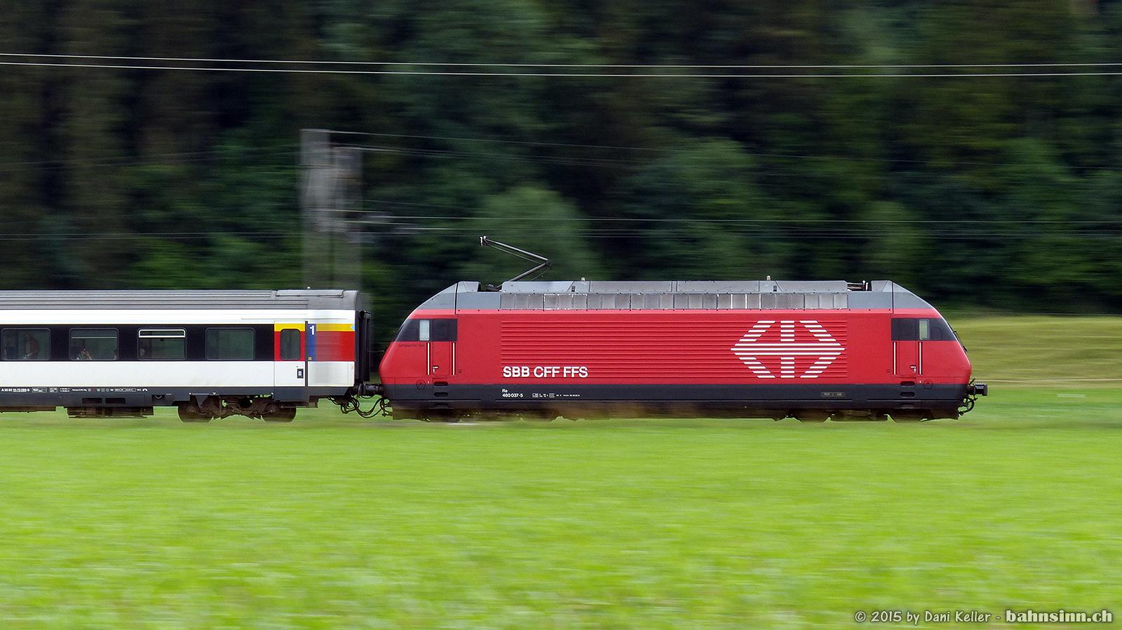 Symbolbild: Ein IR aus Konstanz unterwegs Richtung Zürich. Aufgenommen bei Hüttlingen-Mettendorf (TG)